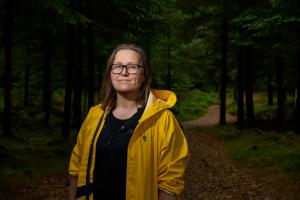 Hør Olaug Nilssen om en Tung tids tale - i samtale med Mari Nymoen